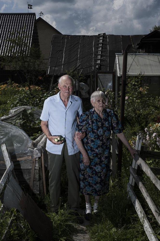 Оние кои имаа можност да го сторат тоа самите, ги демонтираа своите куќи, го пренесоа материјалот по реката и повторно ги подигнаа малку подолу по течението. Николај Новотељнов на пример, се пресели во Рибинск со својата жена.