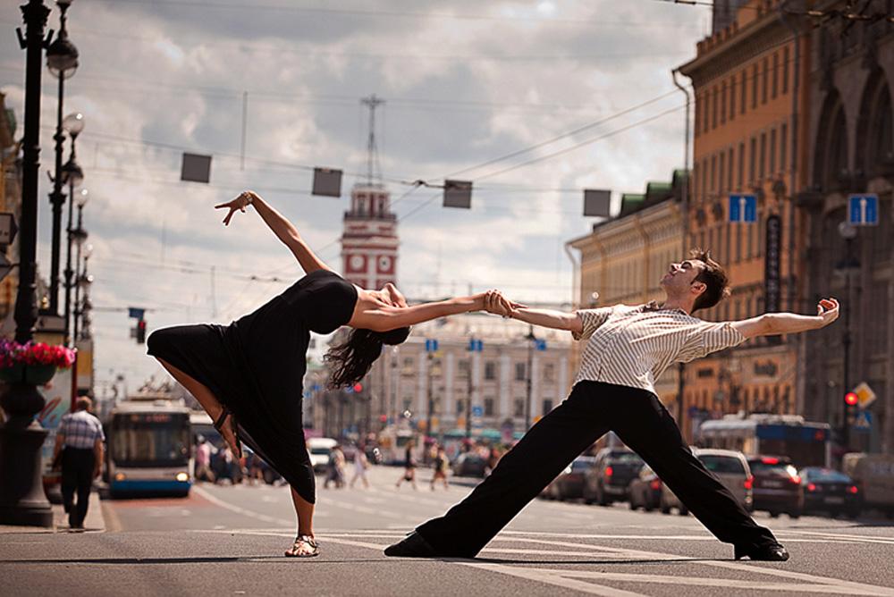 「踊るサンクトペテルブルク」はダンス好きな若者のライフスタイルも表現している