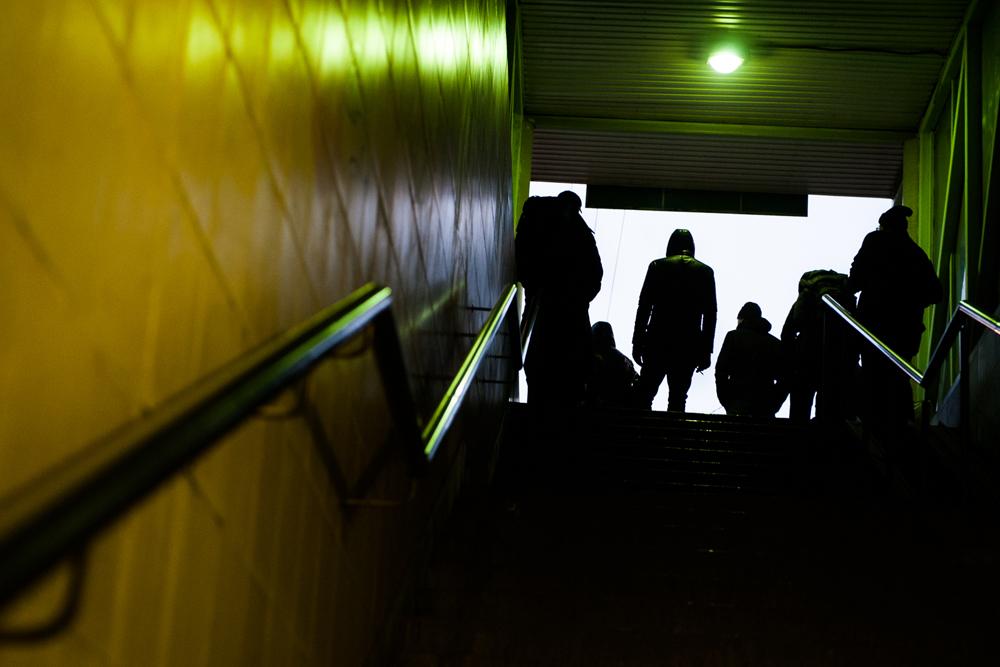 ほとんどの職場はモスクワ環状道路(MKAD)の内部に集中しているため、大半の人々は毎日電車でモスクワに通勤するほかない。