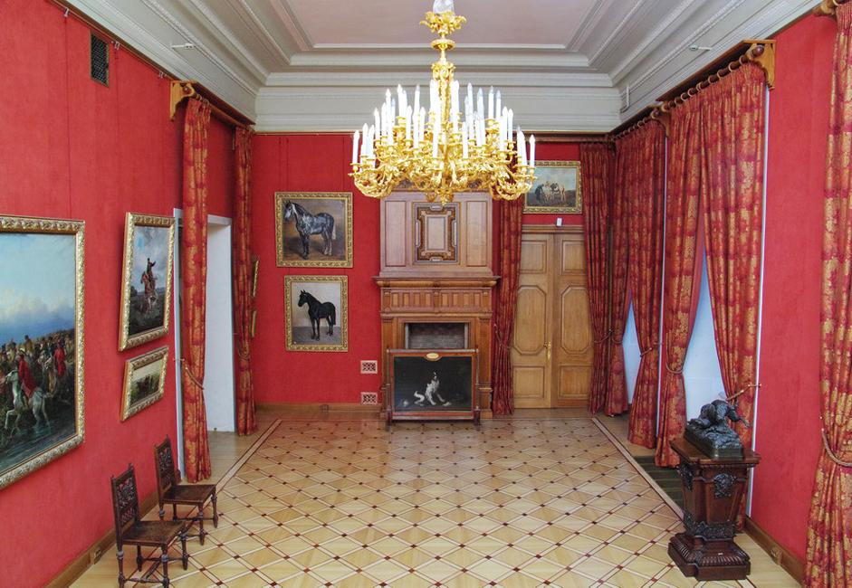 国立ロシア美術館の建物は、そのすべてが生きた遺跡だ。バロック調のストロガノフ宮殿には、エリザヴェータ女帝時代の復元された内装が施されている。エカテリーナ2世の治世に建てられた簡素なムラモルヌイ(大理石)宮殿は、現代美術作品を収容している。