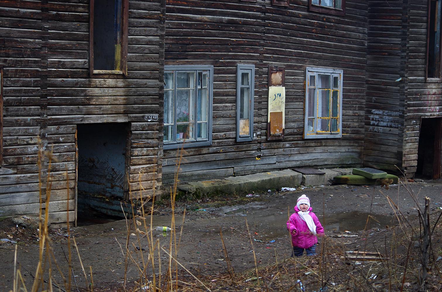 カラバシュ市 は、州都チェリャビンスク市の西約85kmに位置する、人口1万5000人(2012年)の街だ。1970年代には6万人の住人がいた。タタール人の古い 定住地に、砂金鉱床発見後の1822年、カラバシュができた。カラバシュとは、タタール語で「黒い頭」を意味する