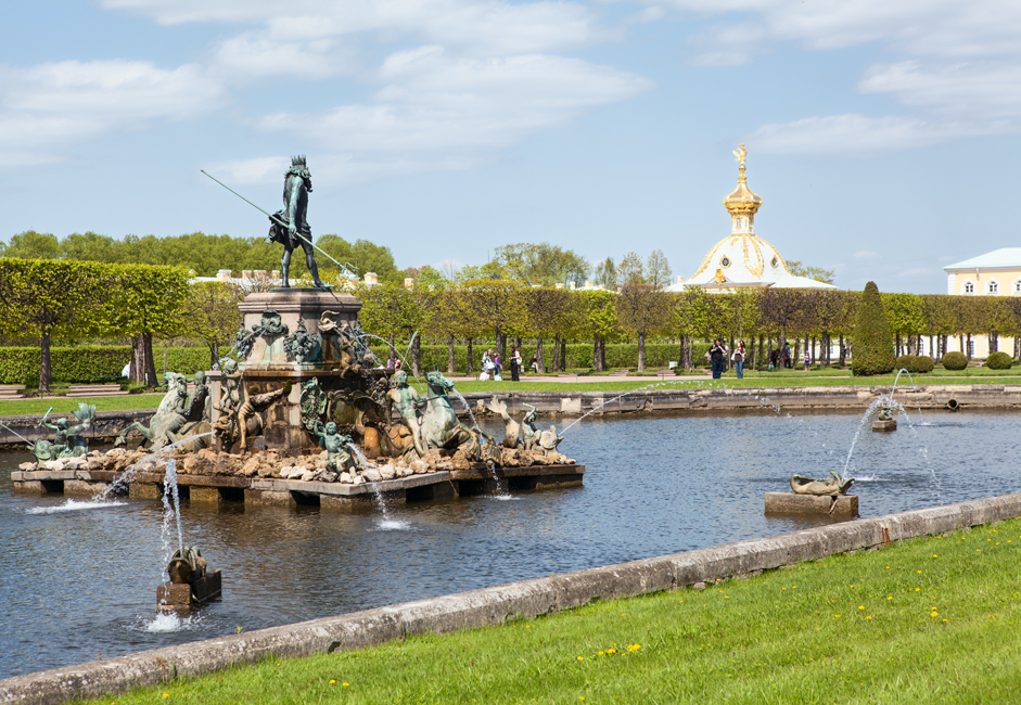 Unquestionably the number-one day trip from St. Petersburg, Peterhof lures visitors with its Versailles-inspired palace on the Baltic Sea. This scene is much better appreciated from April to October, when the Grand Cascade is flowing and the park is in bloom. Going to Peter the Great's summer palace by ferry or hydrofoil enhances the pleasure of the experience, giving you a sense of Peter's maritime ambitions and of the region's role as Russia's western frontier. The boat ride and extensive park make this a great summer outing for kids.