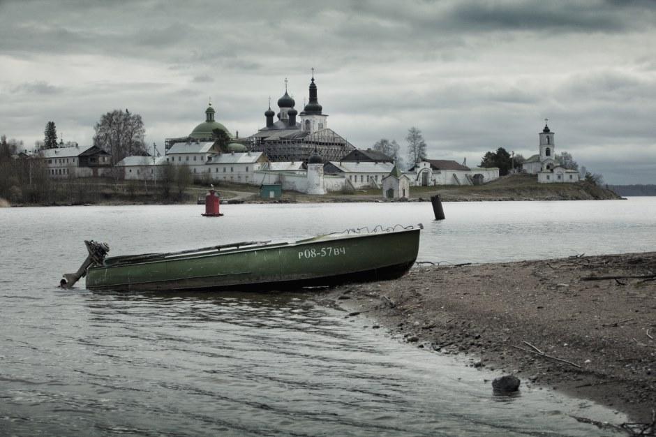 ヴォログダ州は、モスクワとサンクトペテルブルクを結ぶ街道から比較的近く、東ヨーロッパ平原の北東に位置する。ベロゼルスクは、この地域で最も古い都市で、全国でも最古の都市の一 つだ。モスクワ建都の300年前、862年に創設された。