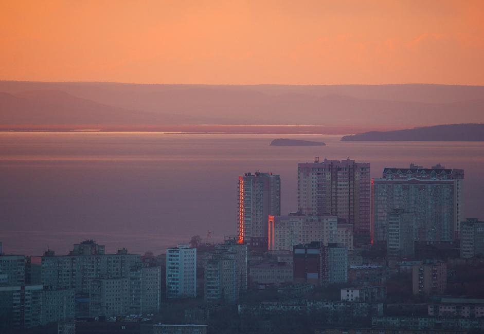 Il y a à peine quatre ans, la ville ressemblait à un poste de frontières abandonné, mais grâce au sommet de l'APEC en septembre 2012, c'est aujourd'hui une ville moderne et l'une des plus intéressantes à voir en Russie.