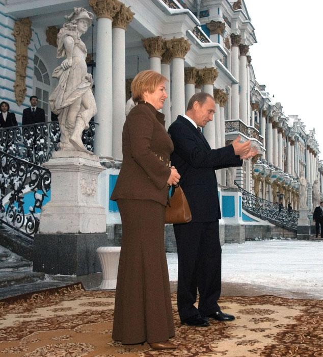 1986年から1990年にかけて夫とともにドイツ民主共和国(東独)で生活。