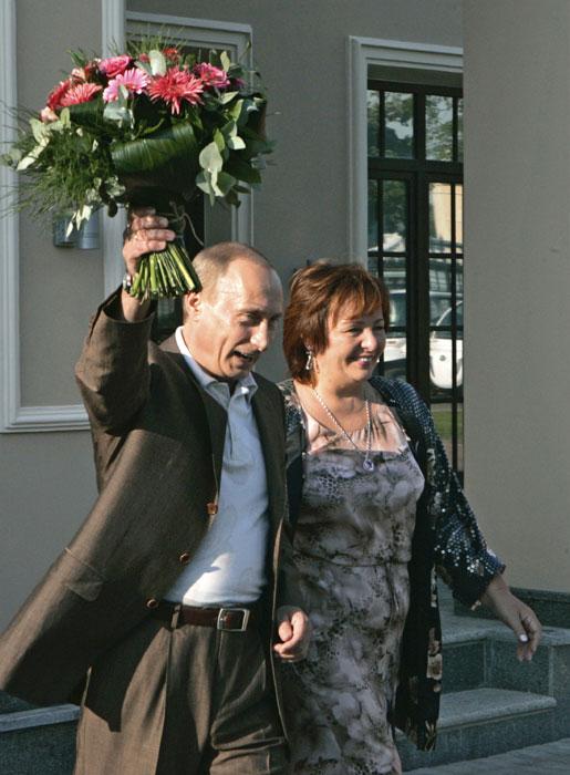 リュドミラ・プーチナ氏は、ドイツ語の普及に貢献したとしてヤーコプ・グリム賞を受賞(2002年)。