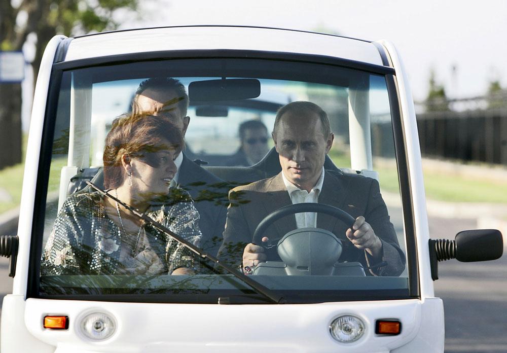 ウラジーミル・プーチン・ロシア連邦大統領は、リュドミラ夫人とは離婚後もいつまでも友人のままであると述べた。