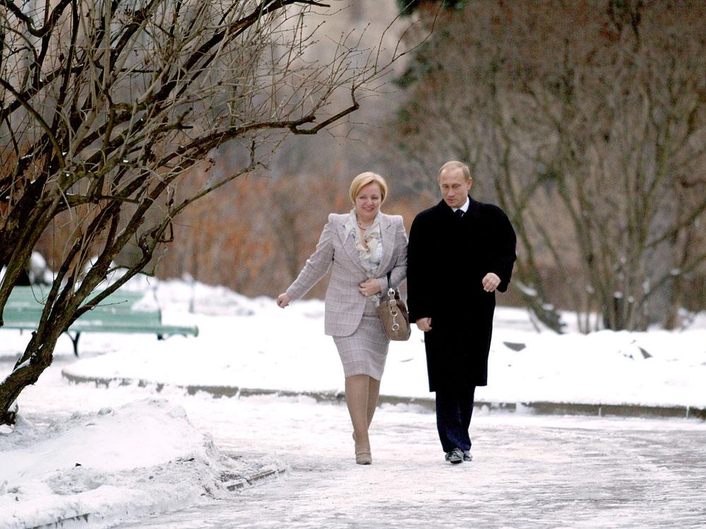 リュドミラ・プーチナ氏は、こう付け加えた。「うちの家族の関係は良好で、私は彼がこれまで私や子供たちを支えてくれていることに感謝しています。彼はとても子供思いで、子供たちはつねにそれを感じています」。