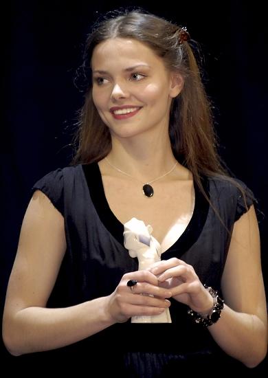 """U rujnu 2011. glumica se uključila u projekt """"Studij stvaralačkog razvoja"""", koji radi na preporodu ruske kazališne škole."""