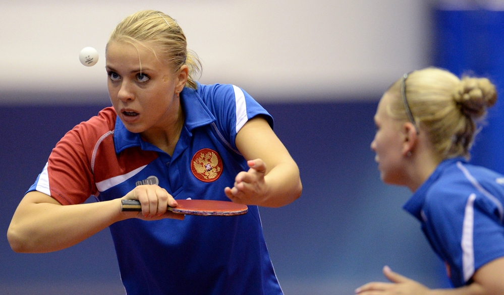 13/13. Јана Носкова и Јелена Трошњева из Русије освојиле су бронзану медаљу на стонотениском такмичењу у конкуренцији женских парова и тако прекинуле дугогодишњу доминацију азијских такмичарки.