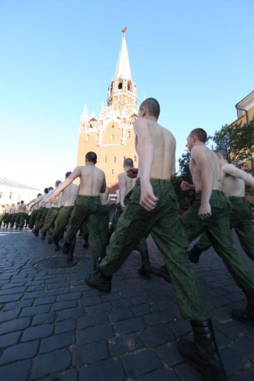 2/12. Све нове грађевине на територији Кремља имају војну намену и припадају Председничком пуку.