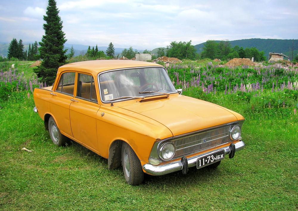 「モスクビッチ412」は、ソ連でもっとも成功したモデルの一つだ。1967年から2001年まで、最初はモスクワの「モスクビッチ」工場で、次にイジェフスクのイズアフト工場で生産された。量産開始後すぐに輸出が始まった。モスクビッチはベルギーで「スカルディア」ブランドとして組み立てられた。「モスクビッチ412」は30年以上生産された数少ないモデルの一つで、価格の安さ、部品の入手のしやすさ、整備の可能性などで、1990年代でも需要があった。
