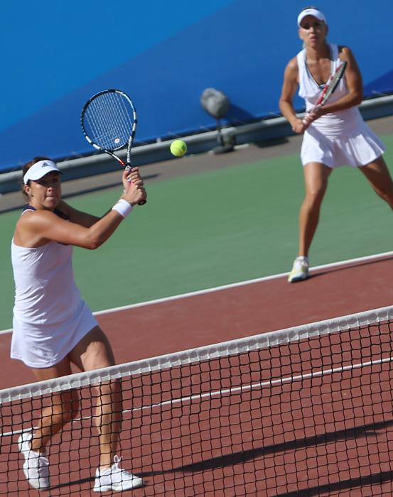 テニスのアナスタシヤ・パヴリュチェンコワとエレーナ・ヴェスニナのペアは、金メダルを獲得した。決勝ではタイのペアと対戦し、6:4、6:3で勝利した。