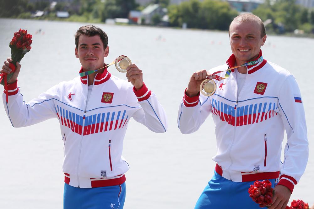 最初の金メダルを獲得した種目はカヌー。ヴィクトル・メランチエフとイリヤ・ペルヴヒンが、2人乗りで1kmの距離を一番で走破。