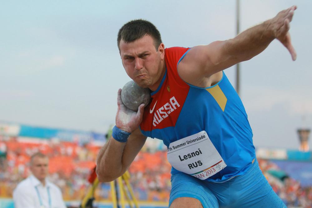 砲丸投げで金メダルを獲得したのは、24歳のアレクサンドル・レスノイ。決勝の2回目で20.3mをマーク。