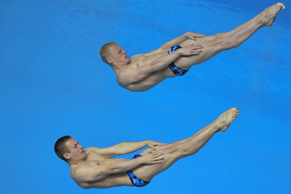 イリヤ・ザハロフとエヴゲニー・クズネツォフは、3mのシンクロ飛び込みで金メダルを獲得。22歳のザハロフは、ロンドン五輪の3m飛び込みで金メダルも手にしている。