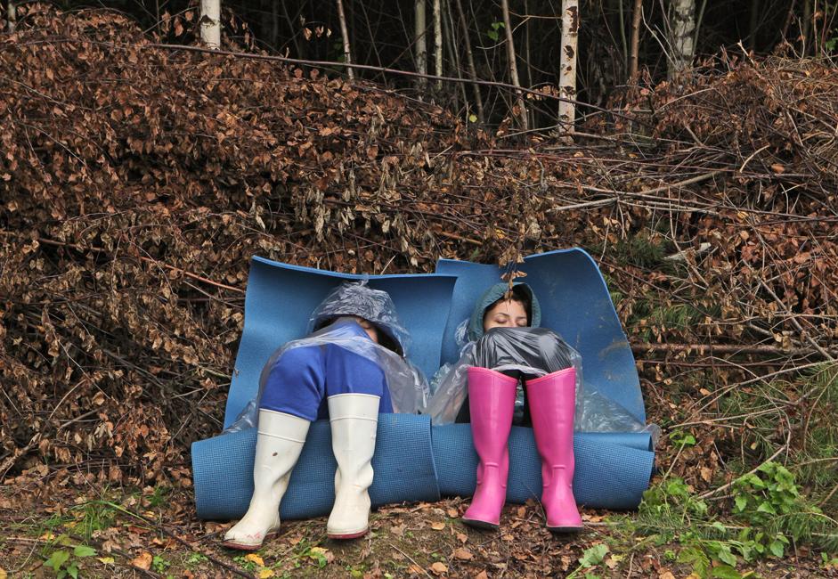 夏祭「アルフストヤニエ」の主催者によると、これらのパフォーマンスは祭の観客のみに提供され、他で披露されることはないという。