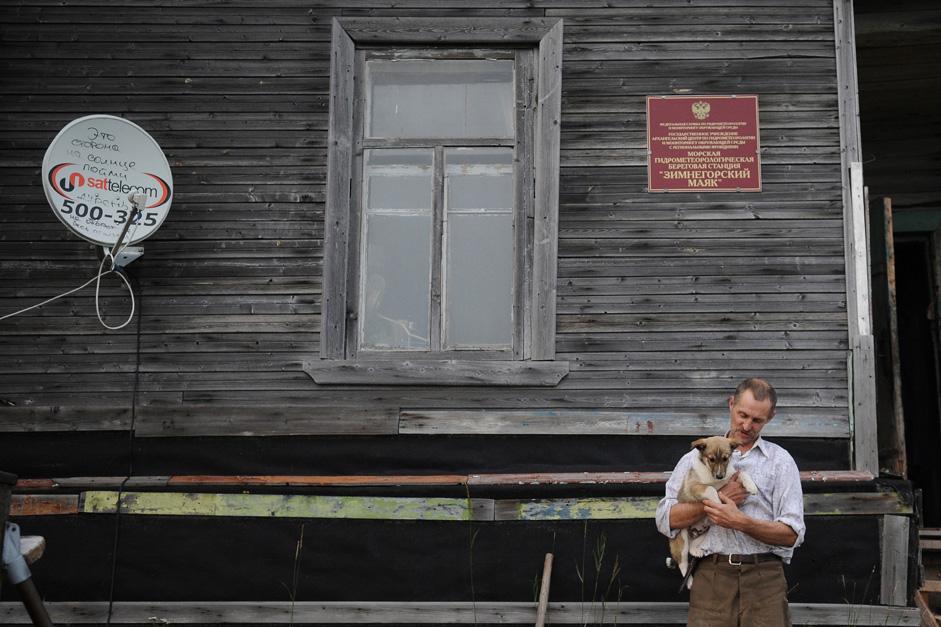 気象観測所所員のヴォローデャ・シャロノフは、「過去の人生」ではアストラハンに住んでいた。彼がジムネゴルスカヤ気象観測所に勤務するようになってから、すでに10年以上が経過している。