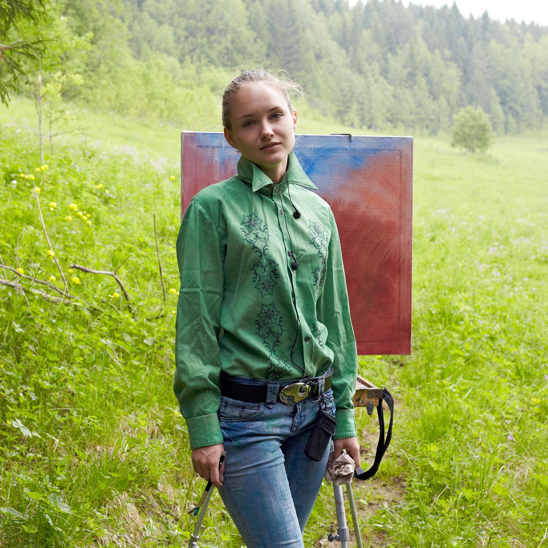 イリーナ・マネローワ(21)、モニュメント芸術の学生。「11歳の時に両親とここに来て、ここに「おうちを買ってほしい」と頼んだんです」