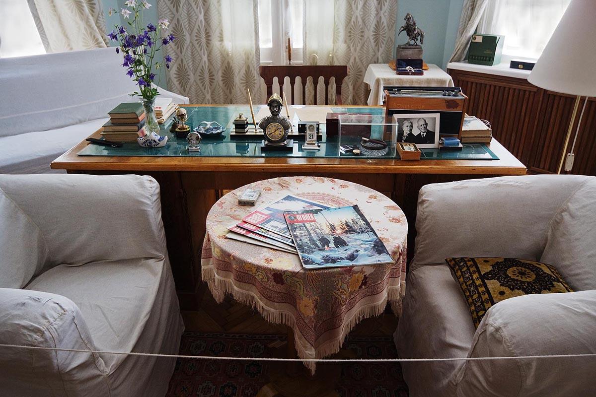 ここでM.A.ショーロホフは、「静かなドン」の第三部と「開かれた処女地」の第一部を執筆し、論文や見聞記を綴った。