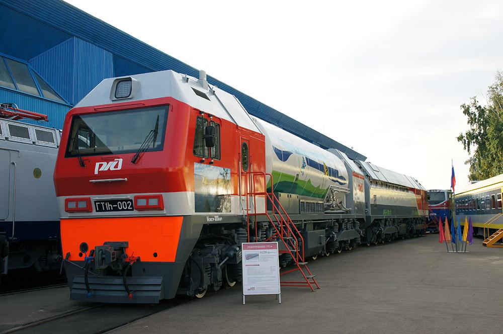 今年の展覧会は、40以上の列車を含む、記録的な数の展示物が並んだ。イベントは、ロシア内外の鉄道エンジニアリング企業による最新の機関車、鉄道車両、特殊鉄道機械や技術設備を紹介するために開催された。