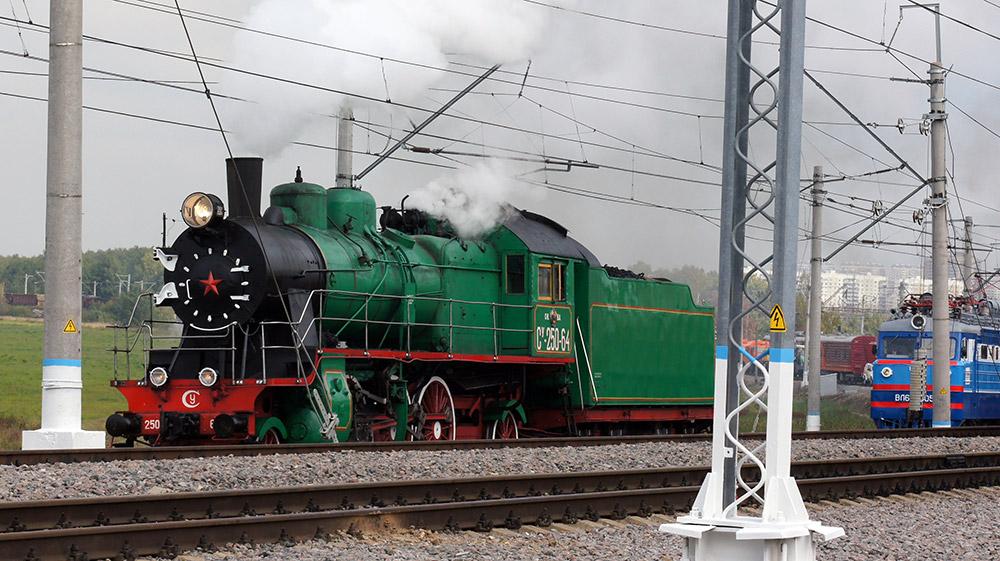 訪問者は、救助・復旧作業用の列車や消火設備など、特別な鉄道設備が動く様子を見ることができた。