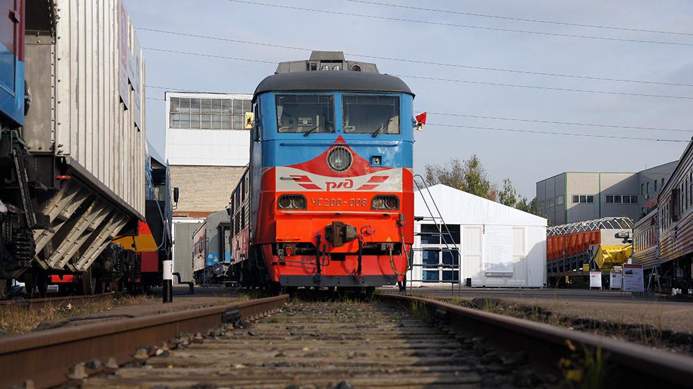 最新の技術仕様の機器及び材料を使った二階建ての客車もショーで展示された。訪問者は乗り心地を体験することもできた。