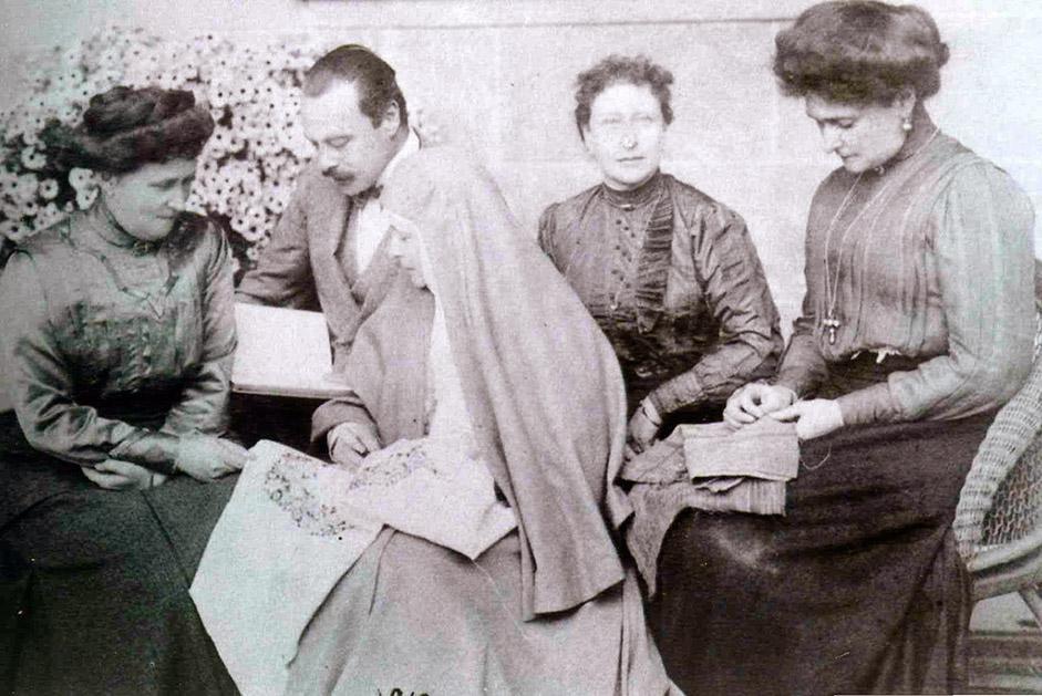 2ヶ月後、彼らはアラパイェフスクに連行された。1918年7月5日の夜、エリザヴェータ・フョードロヴナ大公妃はボリシェビ キによって殺害された。彼女を含むロマノフ家の皇族は、アラパイェフスクから18キロ離れたノヴァヤ・セリムスカヤ鉱山に連行された時のことだった。