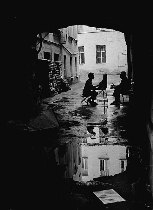 かつての地元の若者は、この通りで詩を詠む詩人、歌を作曲する音楽家や絵画を描くアーティストだった。この伝統は現在でも続いている。