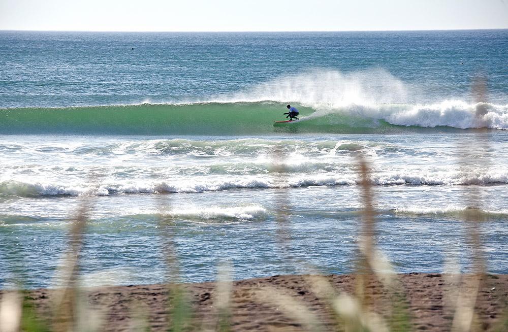 カムチャッカの長い海岸線はサーフィンをするのに素晴らしい場所だ。