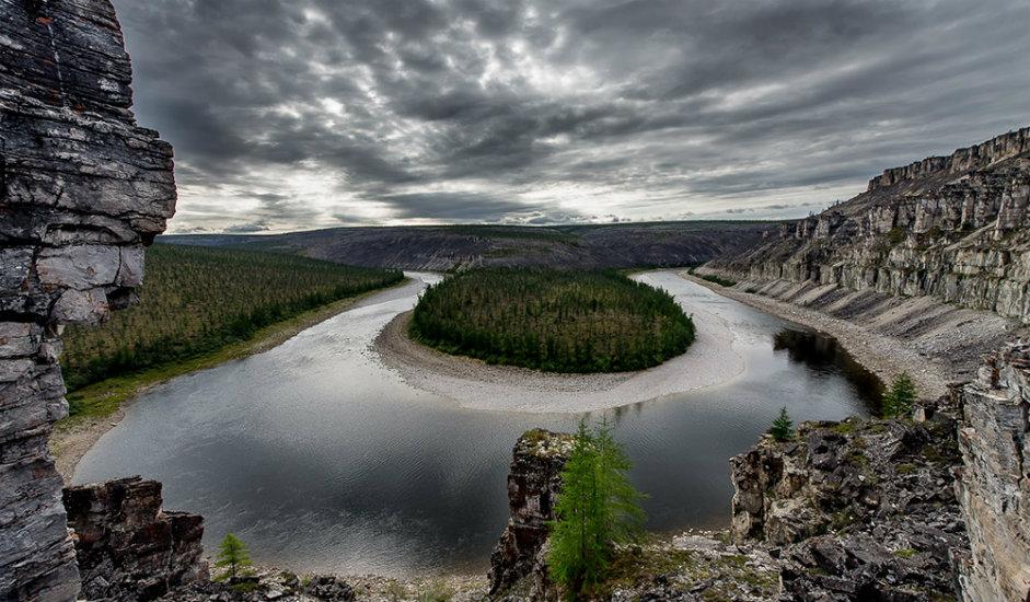 Tamir, meander rijeke Kotuj / Rijeka Kotuj nalazi se u Krasnojarskom Kraju u Sibiru i duga je 447 km. Pripada slivu rijeke Hatange.