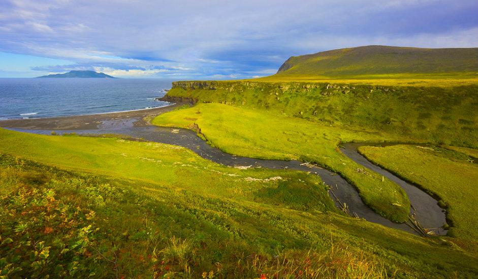 Otok Šikotan / Otok Šikotan je najveći otok Malog grebena Kurilskih otoka (arhipelag između Kamčatke i otoka Hokkaido u Japanu).