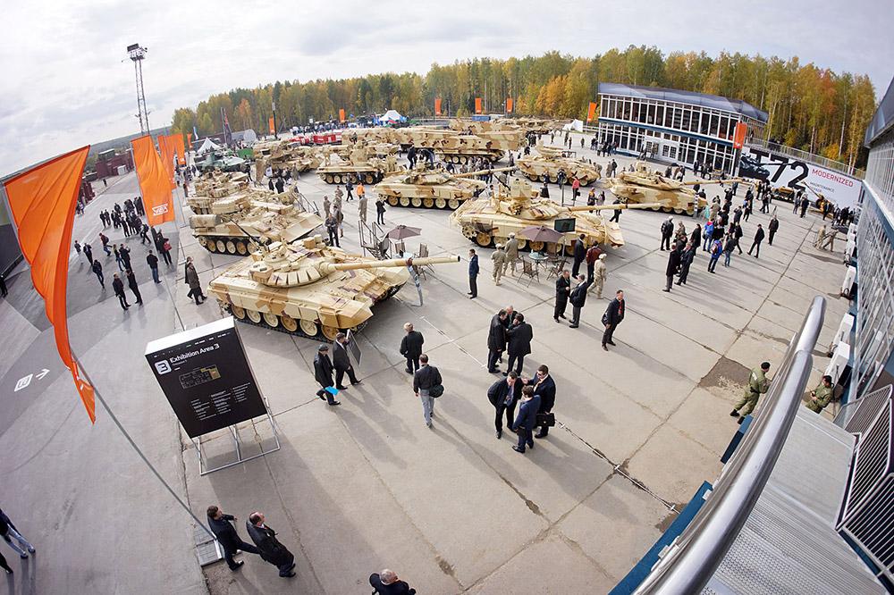 初めて開催されてから15年以上経った今回、武器国際見本市「ニジニタギル・エキスポ」(RAE 2013)はネクスター、ルノーやサフランなど欧州の主要武器メーカーの展示を初めて取り上げた。