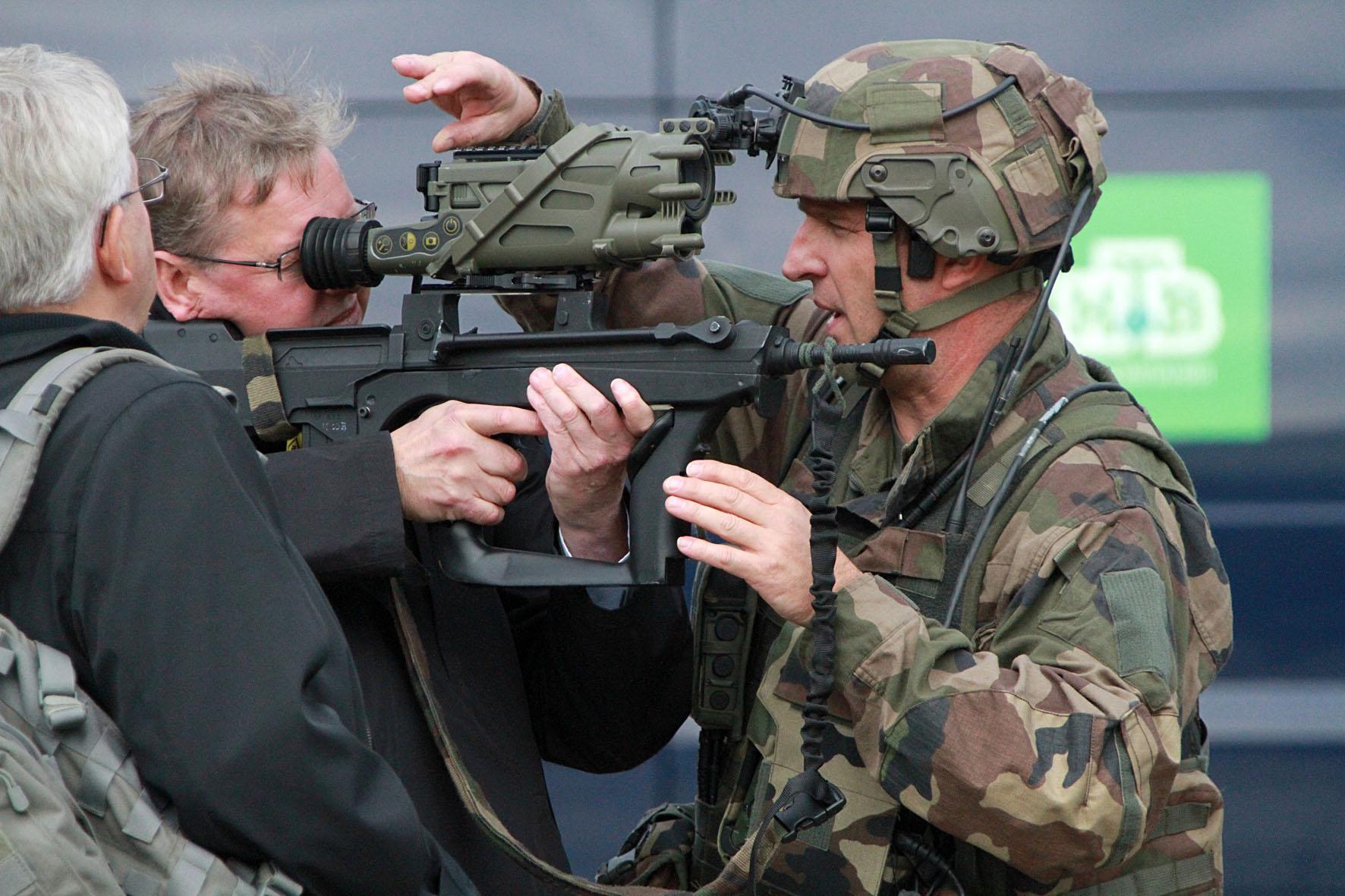 この展示会では、ロシアと海外の武器メーカーの積極的な交流が目立った。