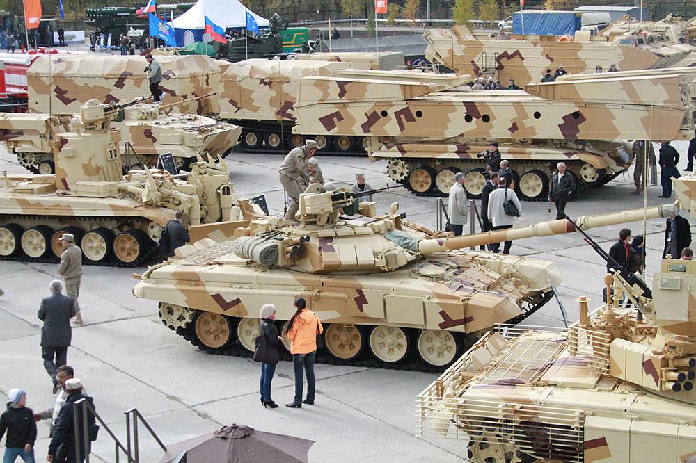 ニジニタギルの展覧会で展示されていたほとんど全てのロシアの戦闘車両は、中東やアフリカでよく見かける砂漠迷彩色に塗装されていた。