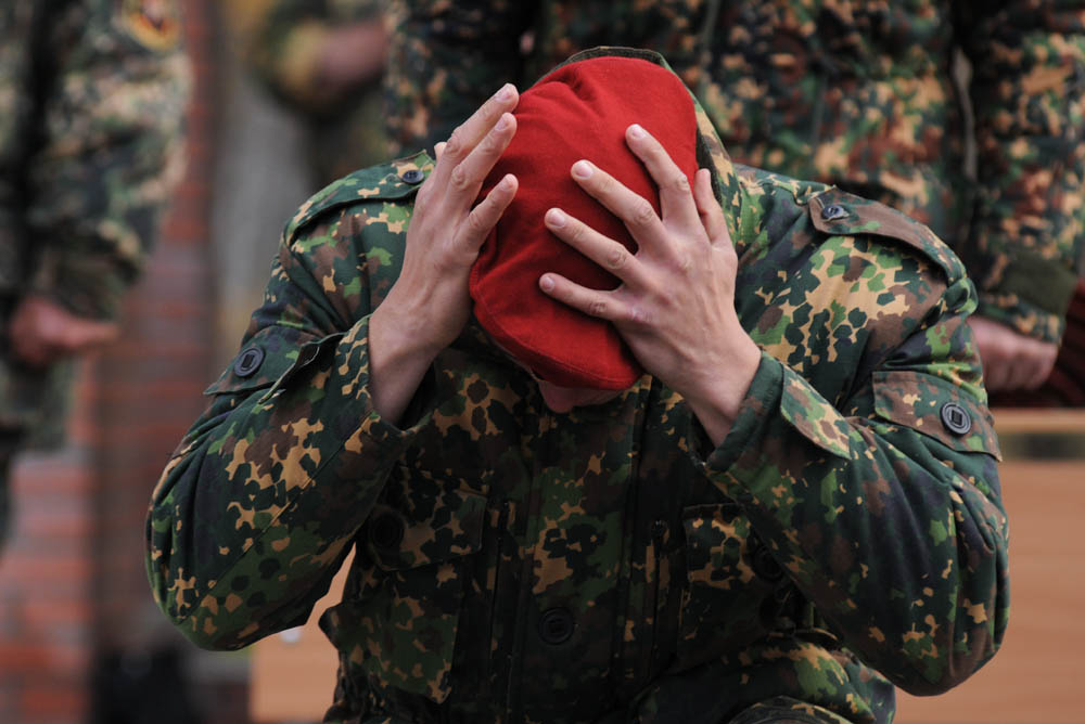 栗色のベレー帽は、特殊任務部隊の兵士が着用するものである。