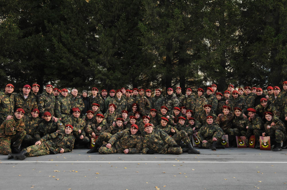 In Russia, in addition to soldiers, members of the Ministry of Internal Affairs, the Federal Drug Control Service, and the Federal Penal Service are also allowed to participate in qualifying tests for the right to wear the maroon beret.