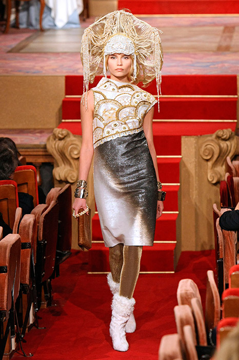 Kokoshniks in world fashion collections./ CHANEL Paris-Moscou Pre-Fall 2009 Chanel