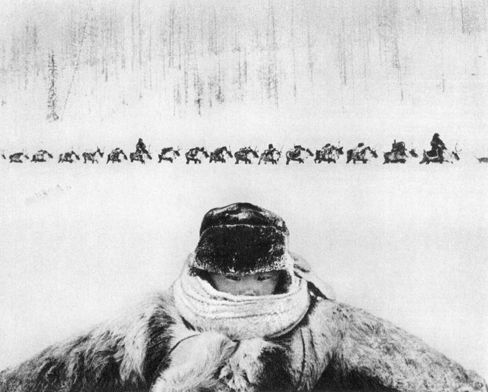 """""""-55 ºC"""". Fotografía tomada en Evenkia durante la construcción del BAM, el ferrocarril Baikal-Amur. Primer premio en la categoría Rasgos, 1964. Guennadi Kopósov (Ogoniok)."""
