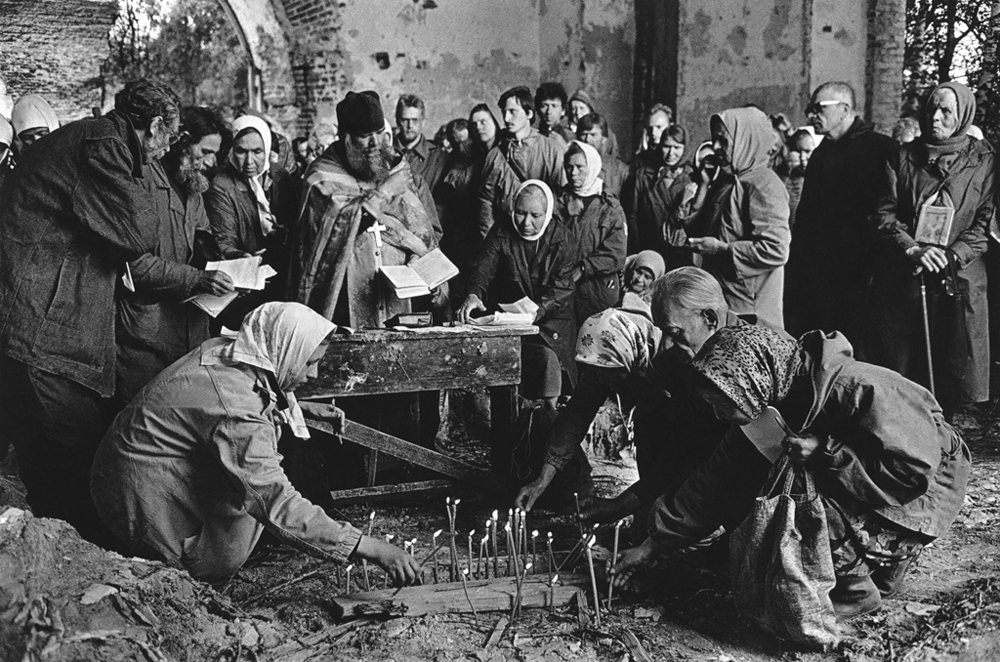 「ヴェリコレツコエ村の宗教儀式」、キーロフ州。1995年、日常生活部門第二位。//ウラジーミル・ショーミン
