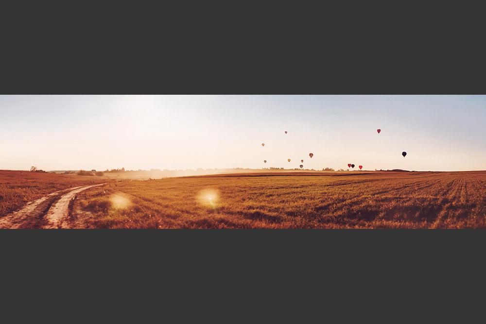 最初のアエロスタトでは、気球が空を高く飛ぶように、ヘリウムではなく熱気が使われた。バルーンのフレームの真下に焚いた火からの煙がバルーンを充満した。