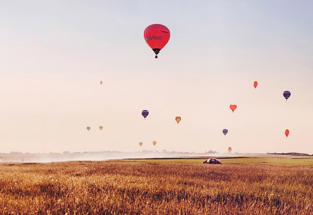 風の流れを使って空中を移動するアイディアは、数世紀前に考え出された。