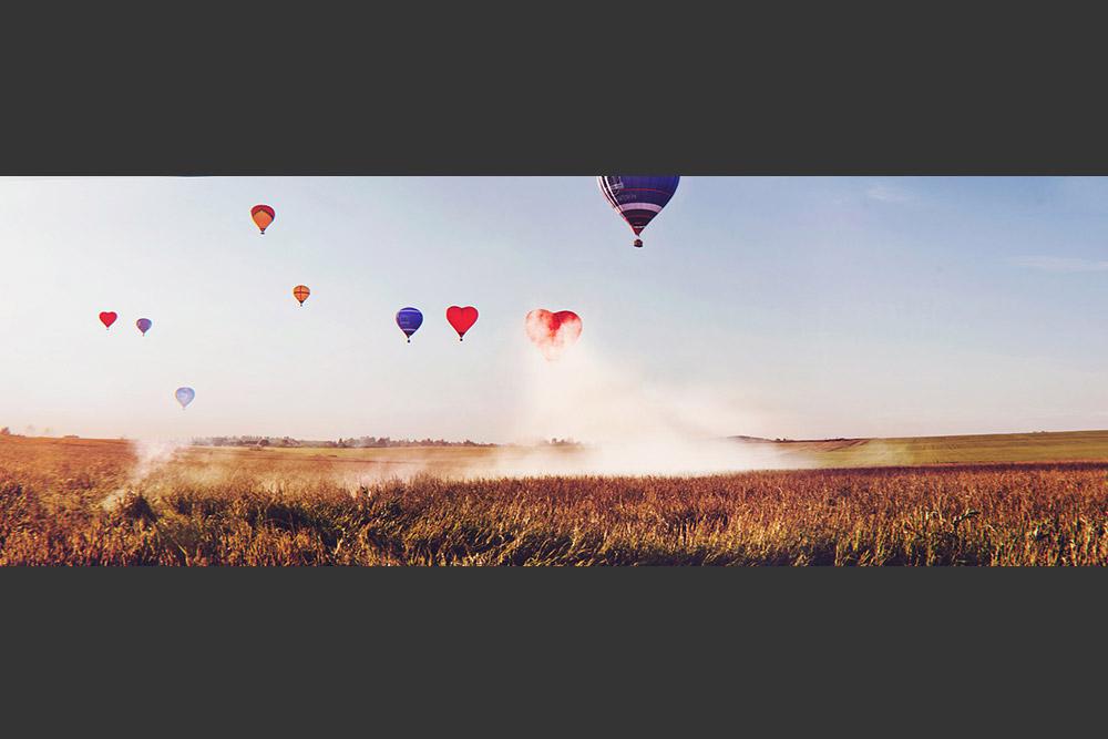 航空学で最も驚異的な年は1783年である。二人の勇気あるフランス人、ジャン=フランソワ・ピラトール・ド・ロジエとフランソワ・ローラン・ダルランド侯爵はモンゴルフィエ兄弟が設計した気球に乗って世界初の有人飛行を行なった。