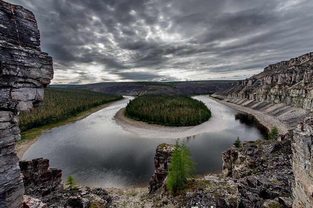 Kelok-kelokan Sungai Kotuikan di semenanjung Taimyr