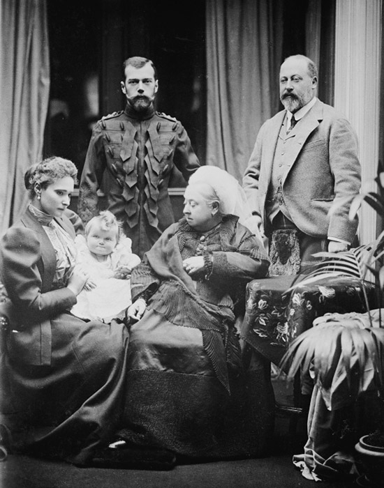 Nikolai II had five children from his marriage to Alexandra Fyodorovna: Olga, Tatiana, Maria, Anastasia, and their son, Alexei. / Alexandra Fyodorovna, Nikolai II, their youngest daughter Olga Nikolaevna, Queen Victoria, and the Prince of Wales