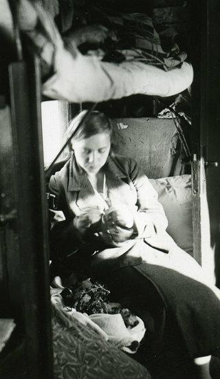 SSSR je 1935. prodao Japanu svoj dio kineske Dalekoistočne željeznice u Mandžuriji.