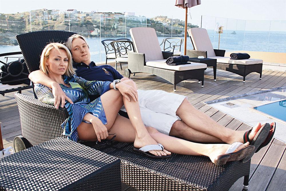 Aus dieser Ehe stammen die beiden Kinder Andrej und Nikolaj. 2009 heiratet Jana den den berühmten russischen Eiskunstläufer Jewgenij Pljuschtschenko. 2013 kommt der Sohn Alexander zur Welt.
