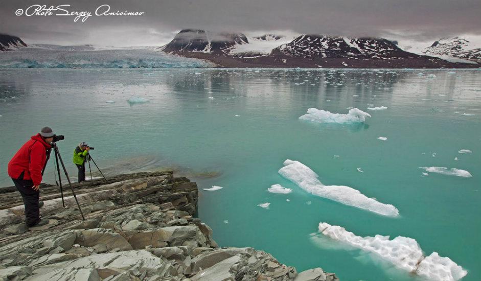 9/15. Јамалски фотограф Сергеј Анисимов један је од највећих познавалаца проблема Арктика. До сада је начинио шест албума о полуострву Јамал које се налази на руском Далеком Северу.