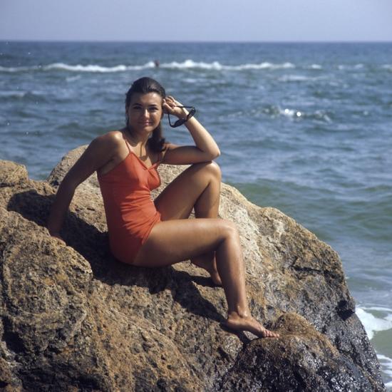 Dekle na plaži v Odesi, 1971