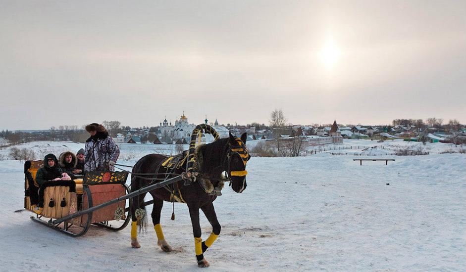4/11. У зимским месецима можете се возити у традиционалној руској кочији.